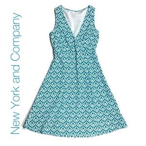 New York and Company Dress Large Comfy! So pretty!